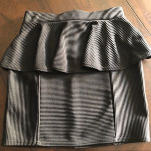 Topshop Peplum Skirt Brand New with tags Size 4 🖤